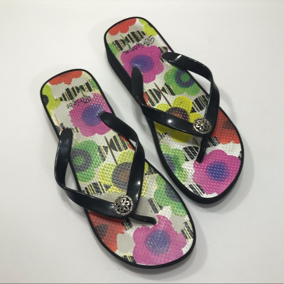 "Brighton Shoes - ⬇️ SALE 3/$15 ⬇️ Brighton ""Pop"" Style Sandals"